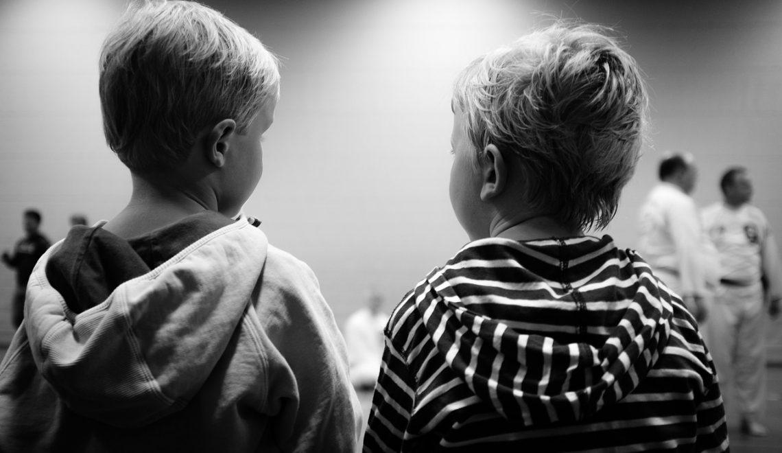 Como ajudar a cooperação infantil?