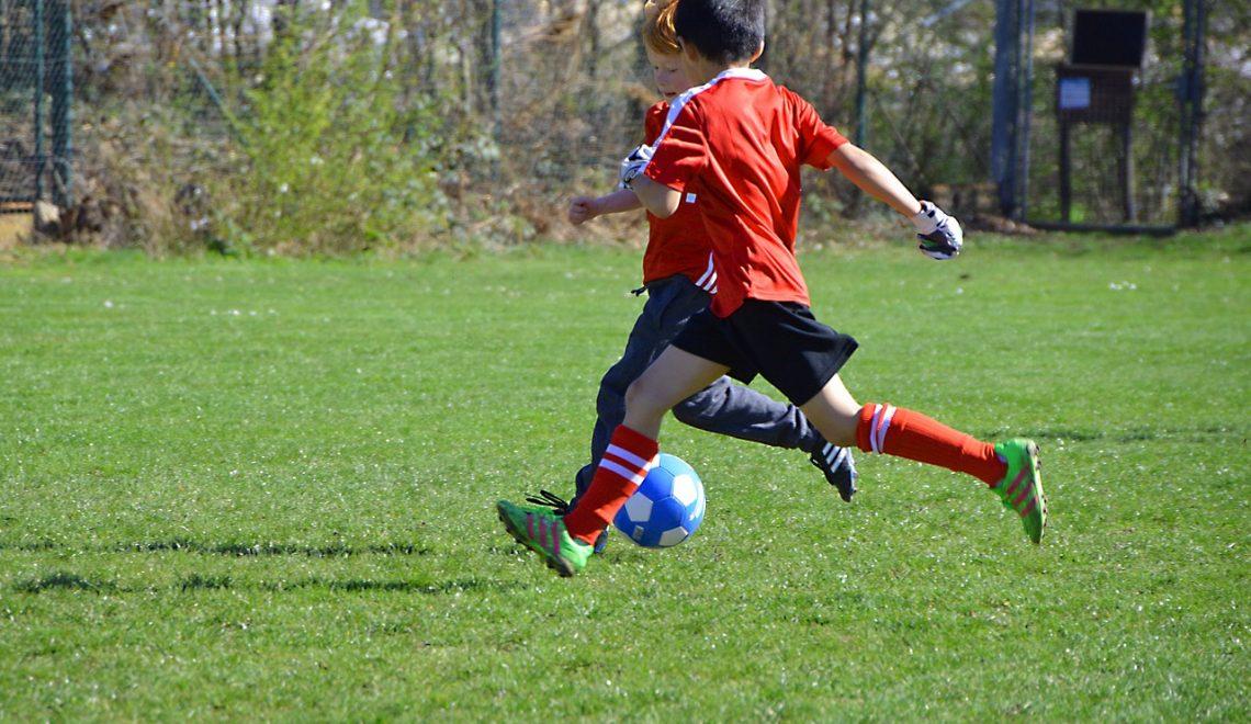 Benefícios e recomendações de atividade física para crianças e adolescentes